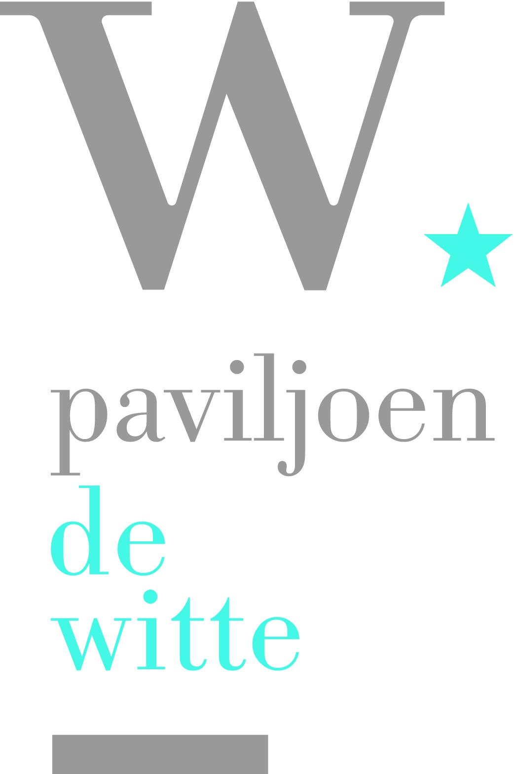 Paviljoen de Witte - De zee. De zilte lucht. Een zomerse bries. Wapperend witte vitrage voor de hoge, openslaande deuren naar het riante terras.