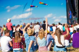 Verleng de zomer met een vleugje festival op jouw zakelijke evenement